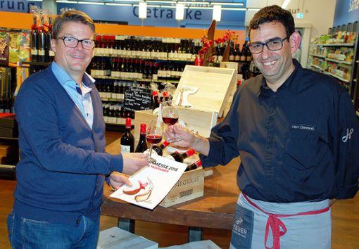 Sie freuen sich auf die 18. Hieber-Weinmesse: Karsten Pabst (l.) und Baldo Clementini. Foto: Peter Ade
