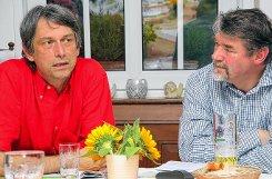 Stellten den BUND-Mitgliedern die Stellungnahme zur Sanierung der Kesslergrube beim Monatstreffen vor: Boris Krause (links) und Herwig Eggers.   Foto: Gerd Lustig Foto: Die Oberbadische