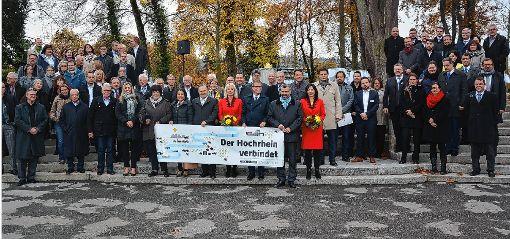 Namhafte Referenten und Gäste aus Deutschland und der Schweiz nahmen an der Demokratiekonferenz in Rheinfelden/CH teil. Stadtammann Franco Mazzi und Oberbürgermeister Klaus Eberhardt zeigten anhand vieler Projekte den Mehrwert einer grenzüberschreitenden Zusammenarbeit und Bürgerbeteiligung auf.  Foto: zVg Foto: Die Oberbadische