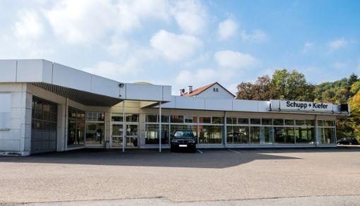 """Das Autohaus """"Schupp&Kiefer"""" ist verwaist.    Foto:  Meller Foto: Die Oberbadische"""