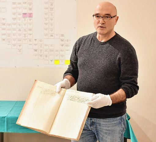 Anthropologe Gerhard Hotz berichtete von der aufwendigen Forschungsarbeit. Foto: Die Oberbadische