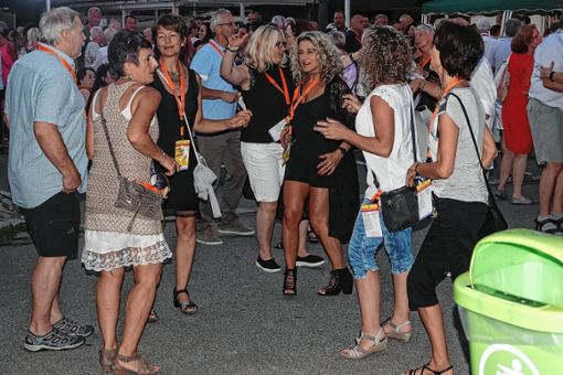 So viele Besucher wie noch nie zählten die Wirte bei der diesjährigen Live-Night.    Foto: Hans-Jürgen Hege Foto: Markgräfler Tagblatt