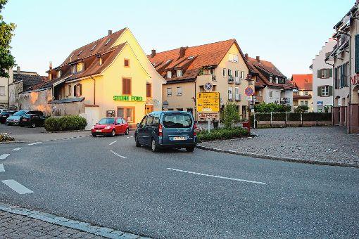 Zum Nadelör  wird der Ortskern von Steinen besonders zu Stoßzeiten.     Foto: Anja Bertsch Foto: Markgräfler Tagblatt