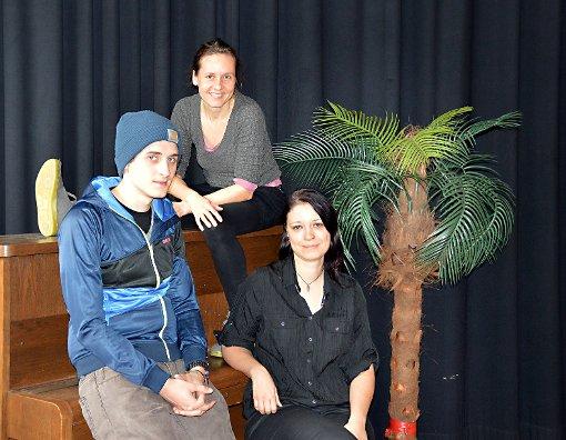 Marek Wick, Laura Jacob und Sonja Summ (v.l.) freuen sich auf viele Interessenten.    Foto: Silvia Waßmer Foto: Die Oberbadische