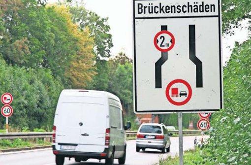 Die Gumbenbachbrücke zwischen Kornwestheim und Ludwigsburg muss komplett erneuert werden. Foto: Mierendorf
