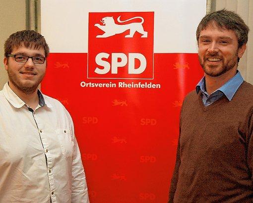 Patrick  Schnell (links) und Jonas Hoffmann stellten sich als Bewerber um die Bundestagskandidatur bei der SPD Rheinfelden vor.  Foto: Ulf Körbs Foto: Die Oberbadische
