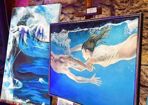 """Gruppenausstellung """"Blaues Wunder"""": Zwei Positionen von Sarah Mross und Marga Golz    Foto: Beatrice Ehrlich Foto: Die Oberbadische"""