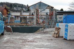 Der Neubau der Halle Wiechs schreitet voran, in den kommenden Wochen sollen weitere Gewerke vergeben werden.   Foto: Petra Martin Foto: Markgräfler Tagblatt