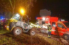 Auch  Radlader kamen zum Einsatz.   Foto: Martin Eckert Foto: Markgräfler Tagblatt