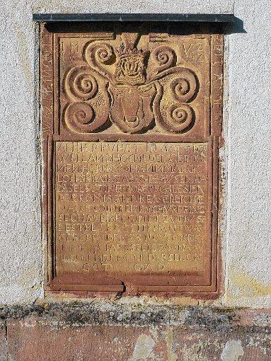 Die Grabplatte an der St. Nikolauskirche von Neuenweg.  Foto: zVg Foto: Markgräfler Tagblatt