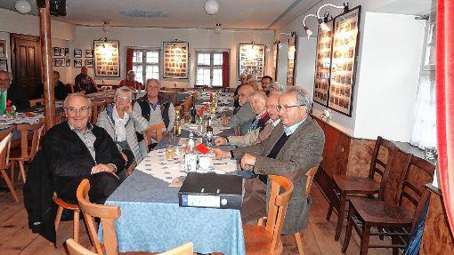 """Beim """"Krone""""-Frühschoppen erfuhren die Teilnehmer  viel über den Tag, an dem in der Tegernauer Kirche Gas austrat.   Foto: Gudrun Gehr Foto: Markgräfler Tagblatt"""