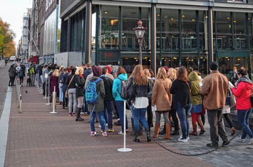 Auch das Anne-Frank-Haus in Amsterdam, in dessen Hinterhaus sich die Familie verstecken musste, widmet sich auf Betreiben des Vaters Otto Frank heute der Geschichte dieser Zeit.   Fotos: Archiv Foto: Die Oberbadische