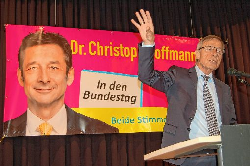 Prominenter Wahlhelfer: Der frühere SPD-Arbeits- und Wirtschaftsminister Wolfgang Clement unterstützt den FDP-Bundestagskandidaten Christoph Hoffmann.   Foto: Peter Ade Foto: Die Oberbadische