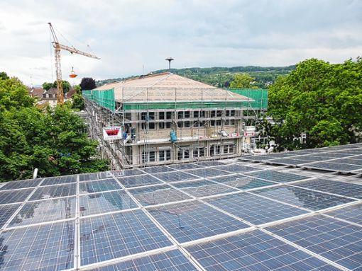 Bei der Stromgewinnung haben Fotovoltaikanlagen noch das größte Potenzial. Die Potenziale bei der Nutzung von Wasserkraft sind nahezu ausgeschöpft.   Foto: Archiv Foto: Die Oberbadische