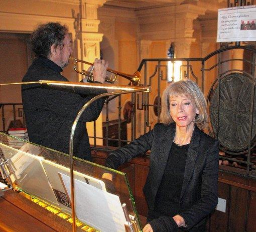 Brillierten wieder beim Silvesterkonzert in der Josefskirche an Orgel und Trompete: Irmtraud und Edward H. Tarr.  Foto: Gerd Lustig Foto: Die Oberbadische