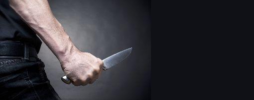 Angreifer und Opfer gehören laut Polizei offenbar zu zwei zerstrittenen Gruppen.  Foto: BortN66  – stock.adobe.com