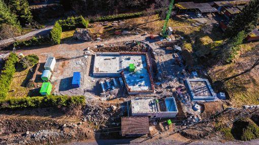 Noch ist das  Todtnauer Schwimmbad eine Baustelle. Wann es wieder öffnet, ist   unklar.    Foto: zVg Foto: Markgräfler Tagblatt