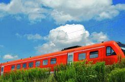 Die Bahn räumt Schwächen auf der Hochrheinstrecke ein.   Foto: zVg/Andreas Hemsdorf/Pixelio Foto: Die Oberbadische