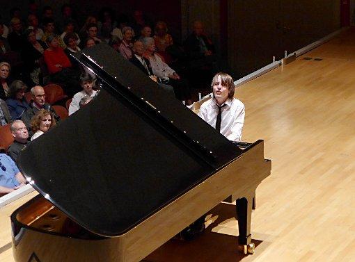 Daniil Trifonov begeistert mit artistischer Klaviermusik.   Foto: Willi Vogl Foto: Die Oberbadische