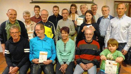 Sportlich unterwegs: die geehrten TuS-Mitglieder  Foto: zVg Foto: Die Oberbadische