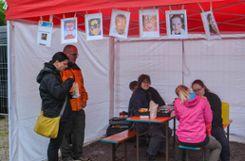 """Impressionen vom verregneten Auftakt des dritten """"Food&Drink""""-Festivals auf dem Lauffenmühle-Areal. Foto: Susann Jekle Foto: mek"""