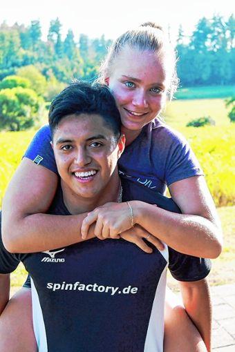 Ivan Santivanez Portocarrero gemeinsam mit seiner Freundin Katerina, mit der er mittlerweile seit zwei Jahren fest zusammen ist.   Foto: zVg Foto: Weiler Zeitung