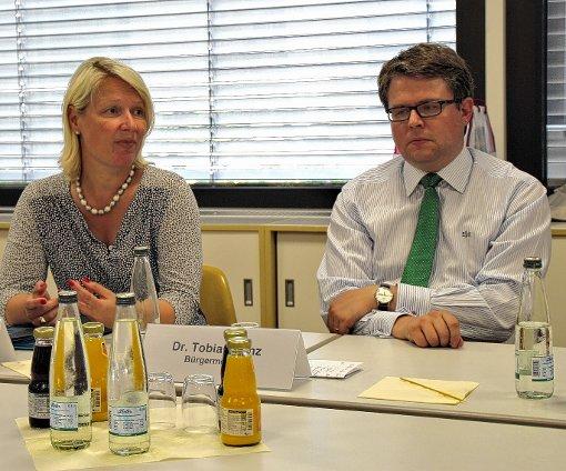 Sylvia Jörrißen und Bürgermeister Tobias Benz  sprachen über die Wohraumsituation in der Gemeinde Grenzach-Wyhlen.  Foto: Rolf Reißmann Foto: Die Oberbadische