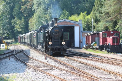 Die Lok 37878 wurde am Sonntag in Kandern verabschiedet. Foto: Alexandra Günzschel