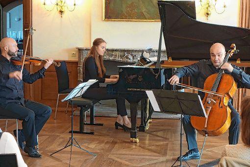 Ein russisches Programm boten  der Geiger Kirill Sharapov und die Pianistin Tatiana Pavlichuk.      Foto: Jürgen Scharf Foto: Die Oberbadische