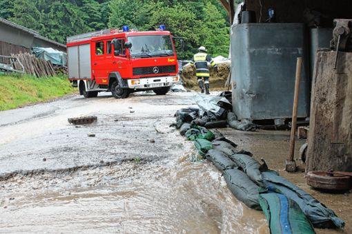 Fluten nach Starkregenfällen: Besonders schlimm getroffen hatte  es vor zwei Jahren den Inzlinger Langmatthof.   Archivfoto: Tim Nagengast Foto: Die Oberbadische