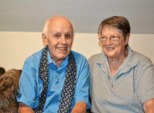 Inge und Erwin Baumgartner feiern heute in Atzenbach das Fest ihrer Goldenen Hochzeit.    Foto: Paul Berger Foto: Markgräfler Tagblatt