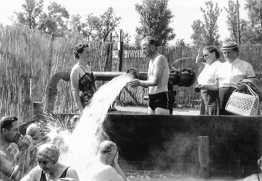 Die Bade- und Kurverwaltung erinnert an die Anfänge des Bellinger Badebetriebs.   Foto: zVg Foto: Weiler Zeitung