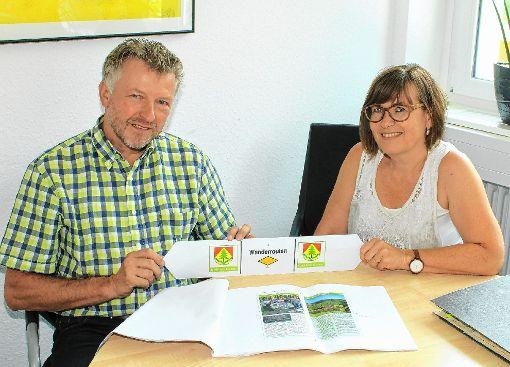 Bürgermeister Gerd Schönbett und Daniela Dürr.              Foto: Heiner Fabry Foto: Markgräfler Tagblatt