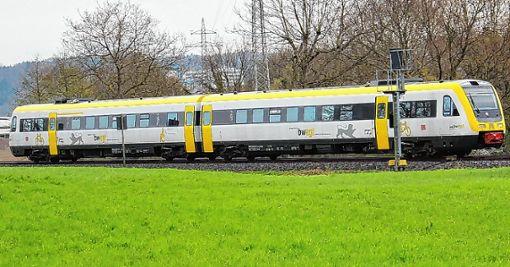 Mit der Umstellung auf den VT 612 soll der Bahnverkehr auf der Hochrheinstrecke zwischen Basel und Ulm bis Anfang Mai verbessert werden.   Foto: Rolf Reißmann Foto: Die Oberbadische