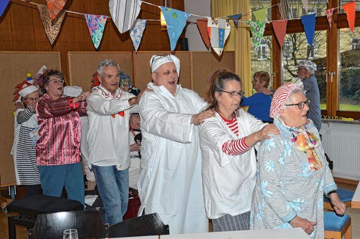 Zum fasnächtlichen Seniorennachmittag in Maulburg gehörte auch eine Polonaise.