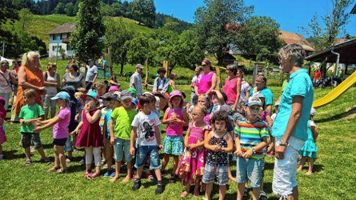 """Gut besucht war das Sommerfest des Kindergartens """"Schwalbennest"""" in Malsburg-Marzell.   Foto: Rolf-Dieter Kanmacher Foto: Weiler Zeitung"""