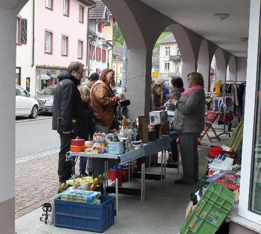 Impressionen vom Bürgerflohmarkt in Kandern Foto: Alexandra Günzschel