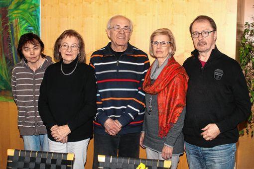 Der Vorstand der Schlaganfall-Selbsthilfegruppe:   Monika Conrad, Monika Benndorf, Herbert Bach, Christel Asal und Sepp Hargasser (von links).   Foto: Heiner Fabry Foto: Markgräfler Tagblatt