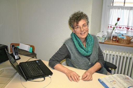 Erika Hülpüsch ist die Seniorenbeauftragte der Gemeinde Eimeldingen.    Foto: Saskia Scherer Foto: Weiler Zeitung