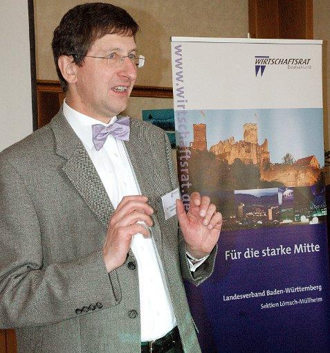 Dr. Franz Ruder-Underberg referierte.  Foto: Marco Fraune Foto: Die Oberbadische