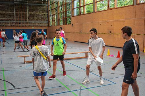 Die dreitägige Ausbildung zu Sportmentoren steht noch bis heute  in der Wintersbuckhalle auf dem Programm.     Foto: Gerd Lustig Foto: Die Oberbadische