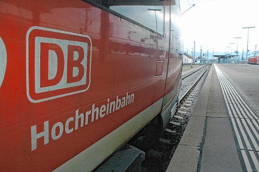 Mit der Unterzeichnung der Finanzierungsvereinbarung ist die Elektrifizierung der Hochrheinbahn gestern einen großen Schritt vorangekommen.    Archivfoto: Marco Fraune Foto: Die Oberbadische