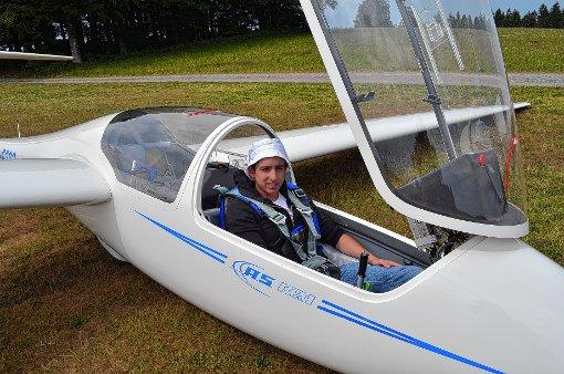 Muharrem Sahiner mit dem Schulungsdoppelsitzer  der Luftsportgemeinschaft.   Foto: zVg Foto: Markgräfler Tagblatt