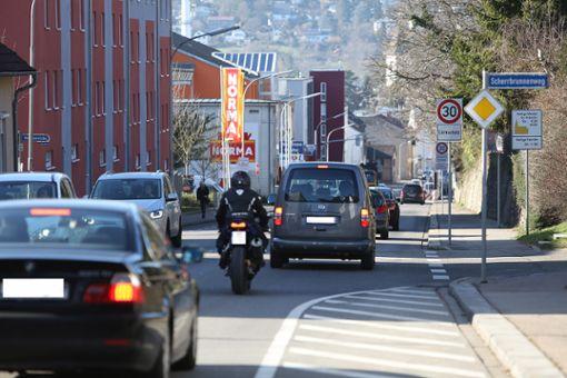 Die viel befahrene Wallbrunnstraße. Foto: Kristoff Meller