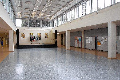 Einzig das Foyer des Schulzentrums Steinen ist bislang nach Meret Oppenheim benannt, weil es dafür keiner förmtlichen Genehmigung bedurfte. Foto: Markgräfler Tagblatt