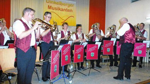 Gute Laune versprühten die Kapellen beim Dinkelberger Blasmusiktreffen.   Foto: Vera Winter Foto: Markgräfler Tagblatt