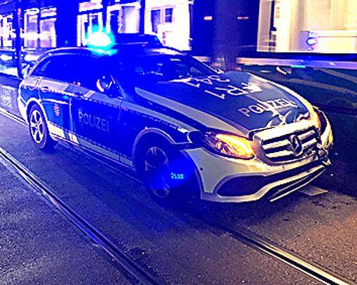 Das demolierte Polzeiauto     Foto: zVg Foto: Weiler Zeitung