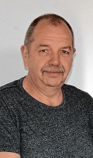 """Dieter Witzig, auch """"Mister Friedhof"""" genannt, ist seit 25 Jahren bei der Stadt beschäftigt.  Foto: zVg Foto: Die Oberbadische"""
