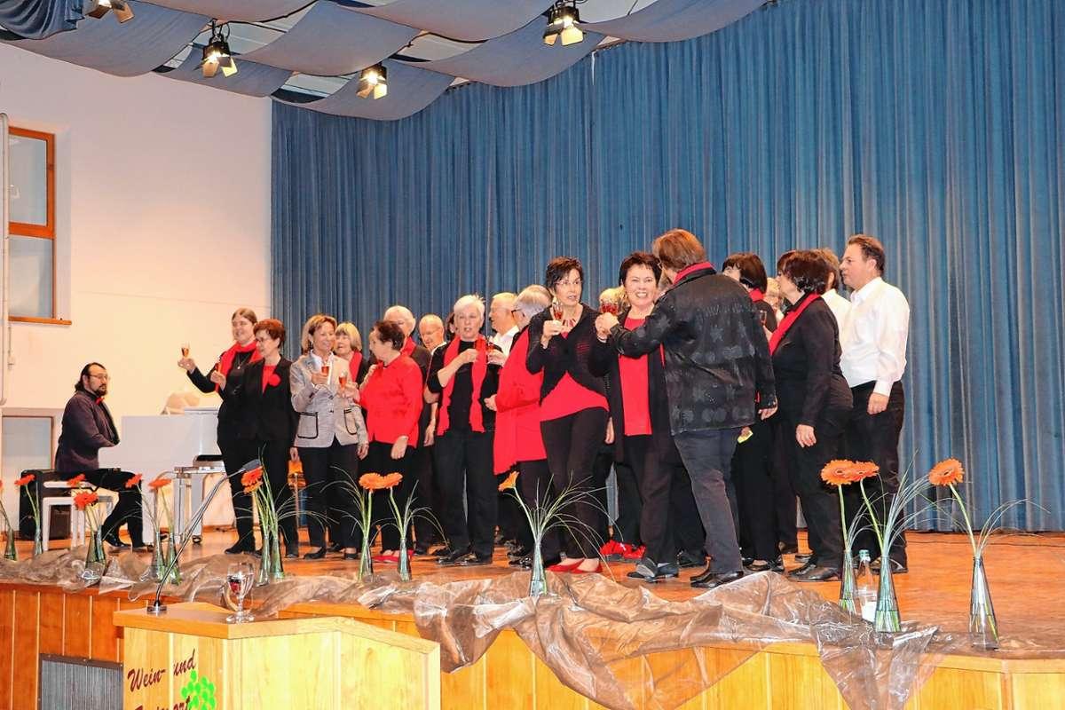 Da war die Welt noch in Ordnung: Der Schliengener Chor Frohsinn bei seinem Auftritt im Januar auf dem Schliengener Neujahrsempfang.Archivfoto: Claudia Bötsch Foto: Weiler Zeitung