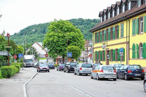 Ein alltägliches Bild: Stau wie hier ortsauswärts in der Eisenbahnstraße in Steinen.  Foto: Archiv Foto: Markgräfler Tagblatt
